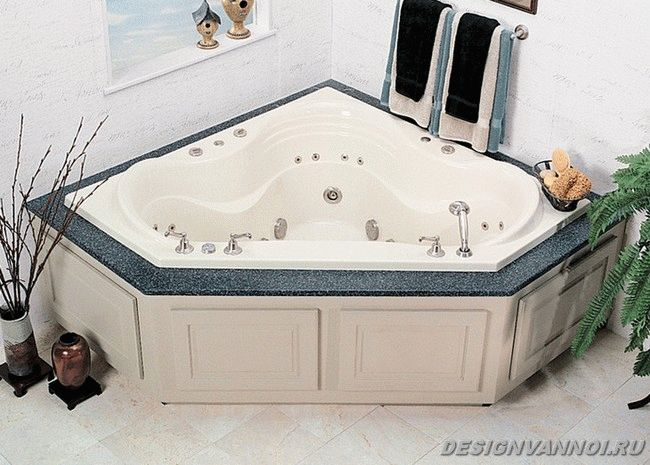 ассиметричная ванна с джакузи