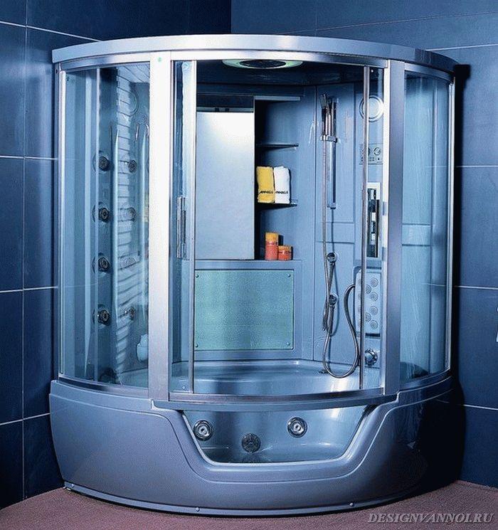 тропический душ в душевой кабине с ванной