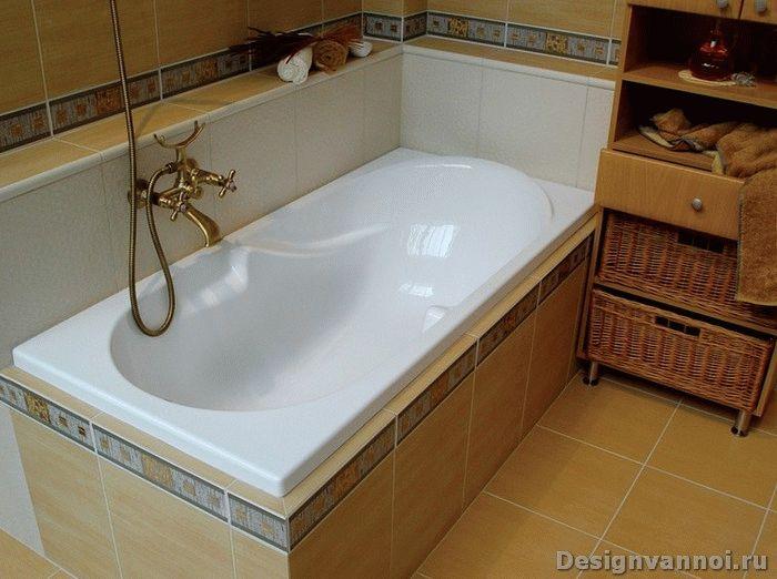 акриловая вставка в ванной